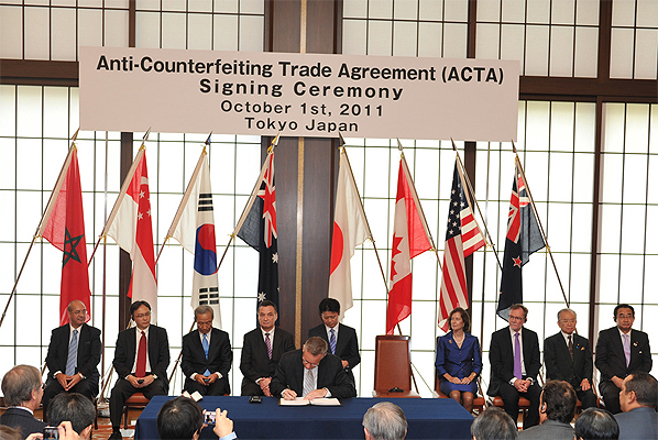Photo Release Minister Fast Signs Historic Agreement