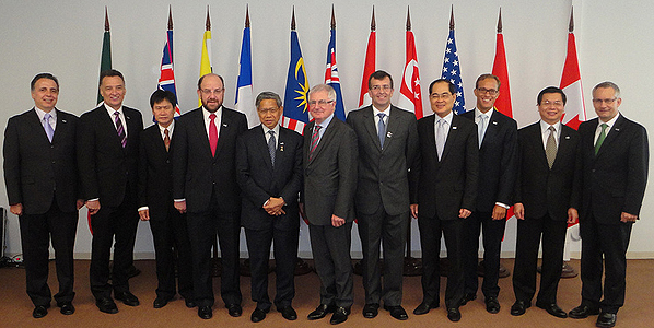 Minister Fast meets with TPP trade Ministers