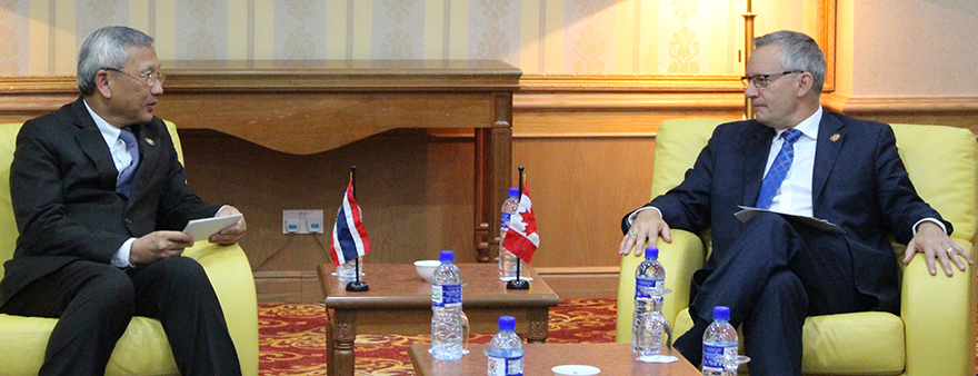 Minister Fast with Thai Counterpart