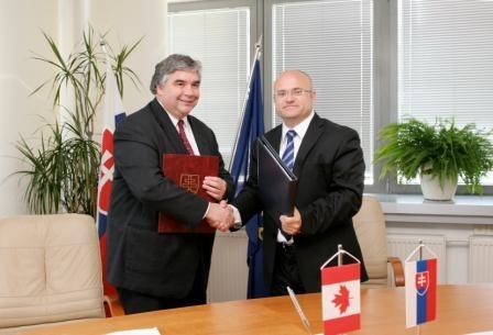 Canada Signs Youth Mobility Agreement with Slovakia