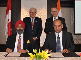 Minister Fast Congratulates Canadian Medical Equipment Company Novadaq Technologies on Agreement to Market Innovation Technologies in India