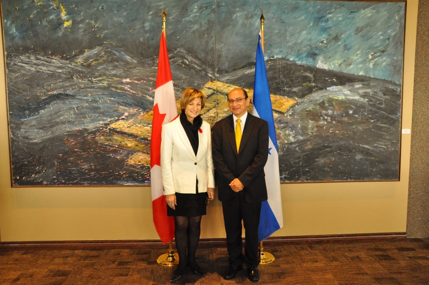 Minister of State Yelich Meets with Honduran Minister of Industry and Commerce