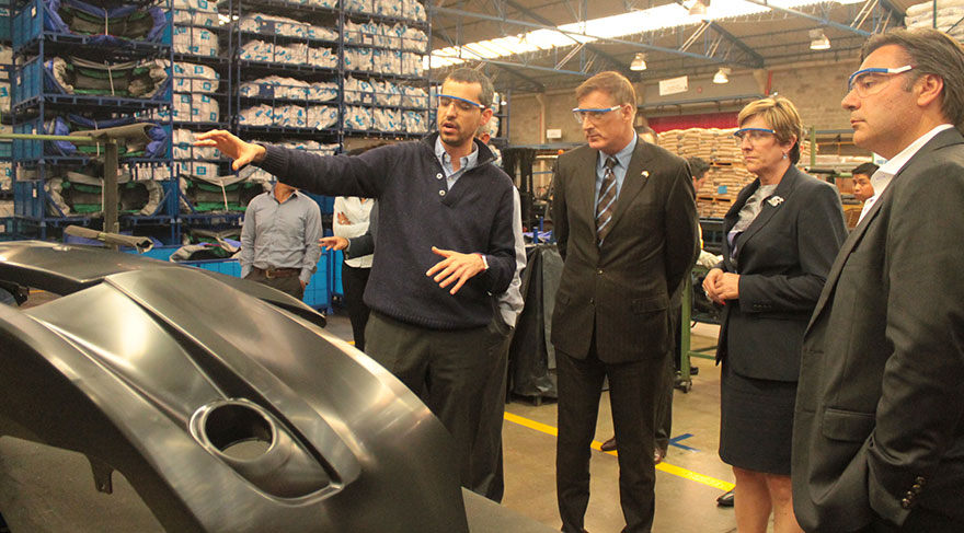 Minister of State Bernier Tours Canadian Car Parts Manufacturing Facility in Colombia