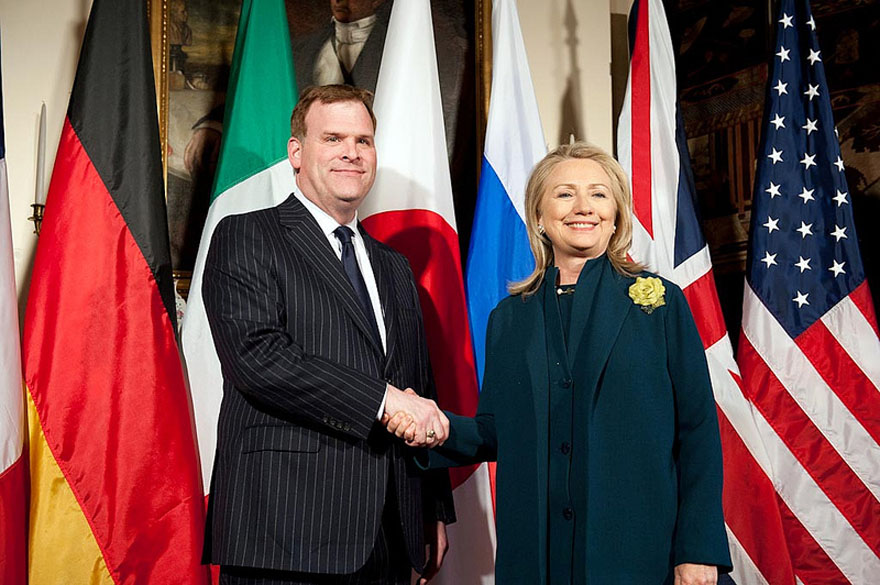 Minister Baird Meets with Secretary of State Clinton at G-8 Foreign Ministers' Meeting