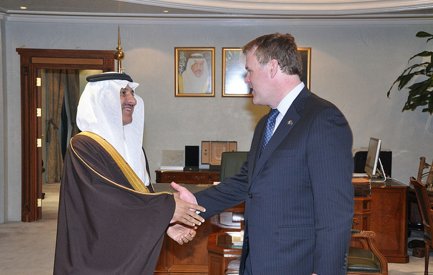 Minister Baird meets with the President of the Saudi Human Rights Commission
