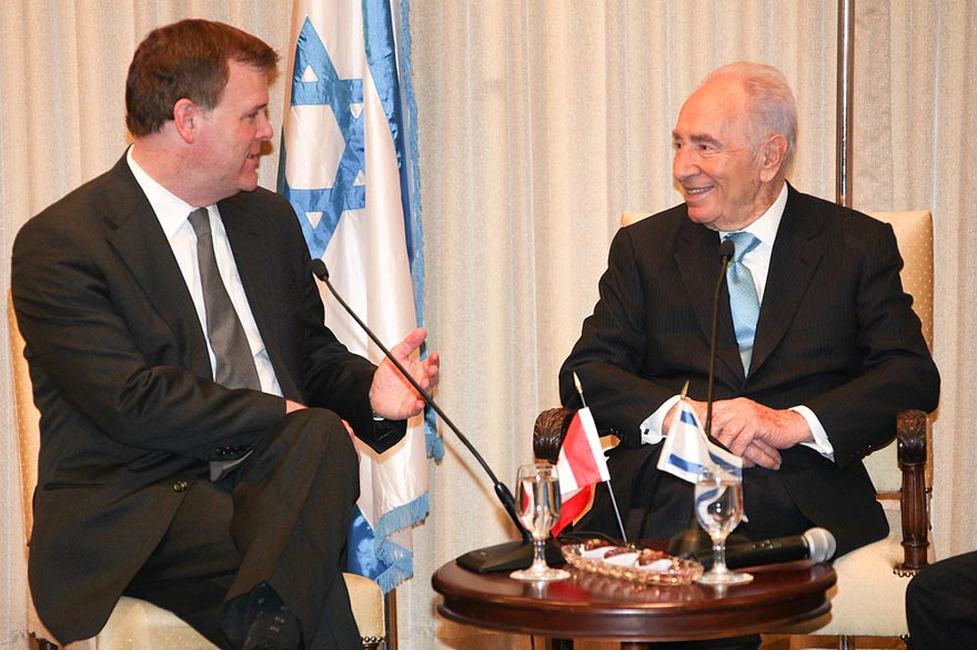 Minister Baird Meets with Israel's President Shimon Peres