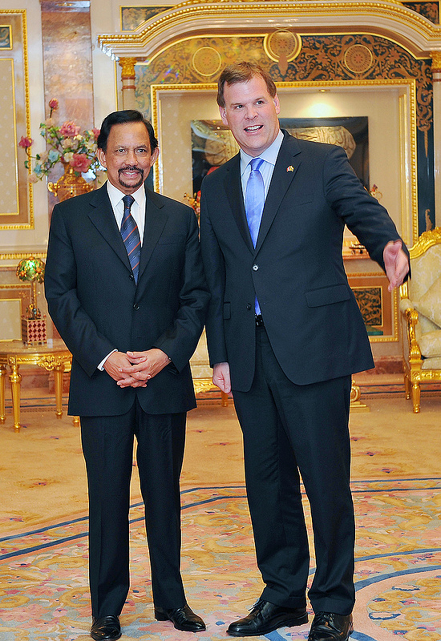 Baird Congratulates Sultan of Brunei on 66th Birthday