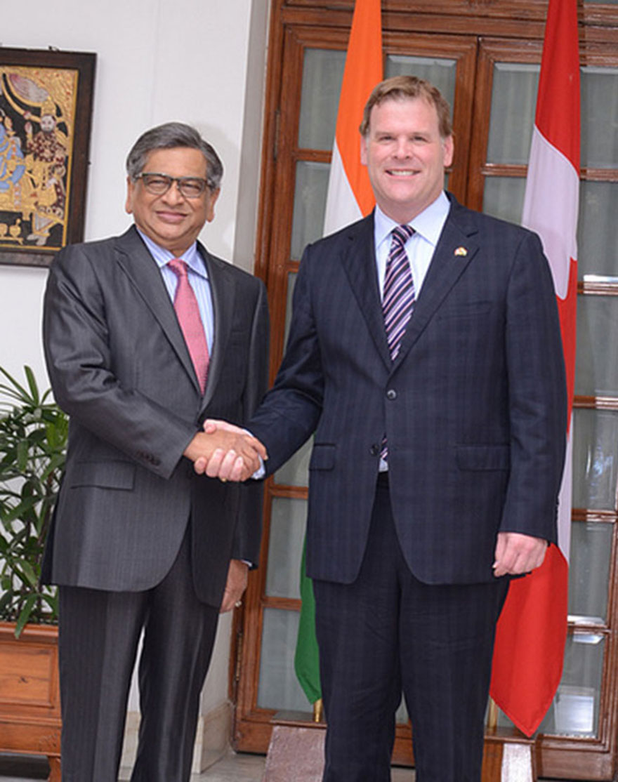 Baird rencontre son homologue indien