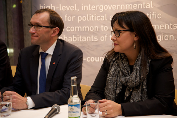 Minister Aglukkaq Meets with Norwegian Minister of Foreign Affairs