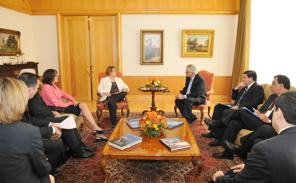 Minister Ablonczy Meets with Chile's Acting Minister of Foreign Affairs