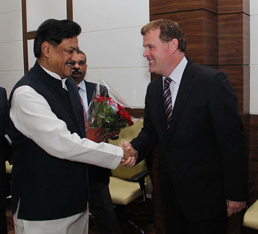 Baird Meets With Chief Minister of Maharashtra