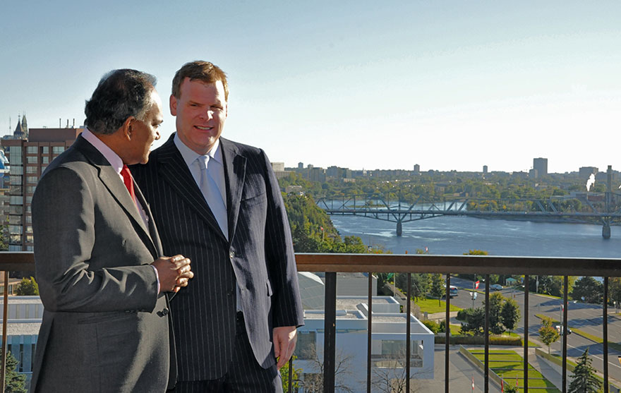 Baird Welcomes Singapore's Foreign Minister to Ottawa