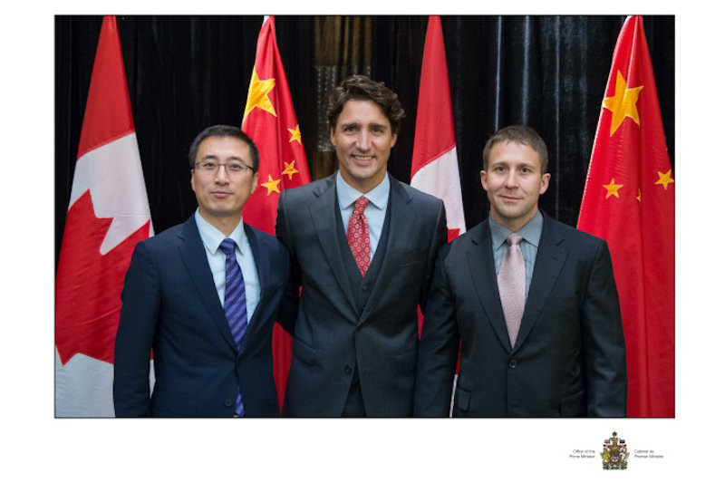 Signing of MOU with Mr. Li Shupeng, Deputy General Manager, BCEG Environmental Remediation Co. Ltd, PM Justin Trudeau, and Jevins Waddell, President, Trium (from left to right).