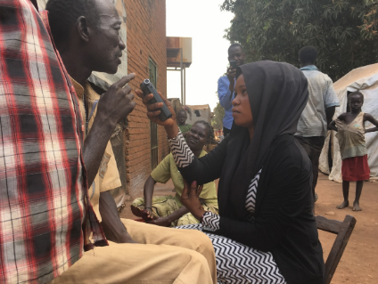 A South Sudanese female journalist conducting an interview. Credit: Global Affairs Canada