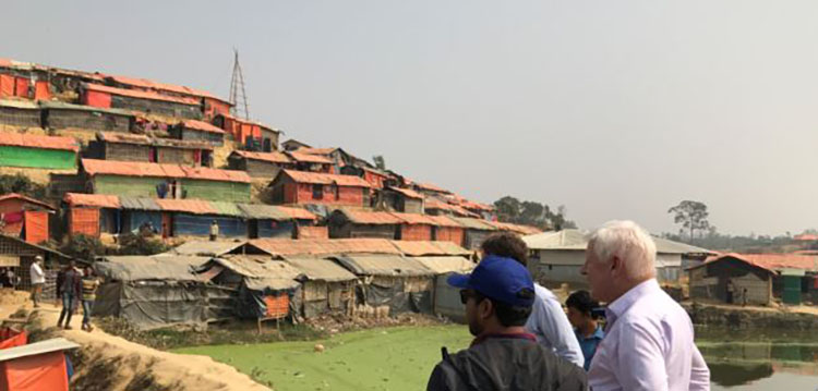 Special Envoy to Myanmar Bob Rae visits a Rohingya refugee camp.