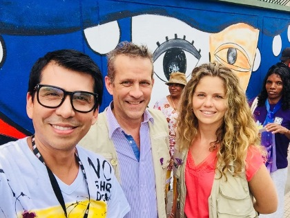 Colombian artist Vianey with Canadian Ambassador to Colombia Marcel Lebleu and Embassy staff member Candice Dandurand. Photo credit: Vianey