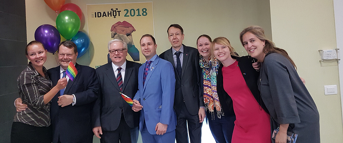 Des représentants de sept ambassades partenaires sont à Astana pour célébrer la Journée internationale contre l'homophobie, la transphobie et la biphobie (IDAHOTB – International Day Against Homophobia, Transphobia and Biphobia).