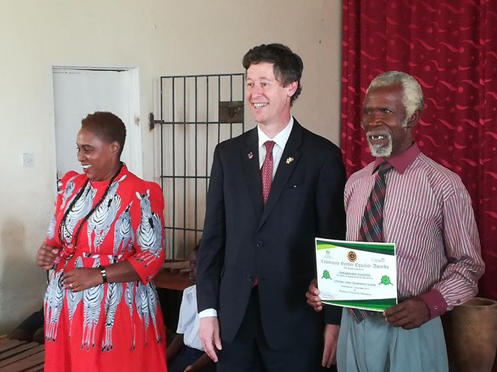Ekenia Chifamba, Shamwari Yemwanasikana Director, René Cremonese, Ambassador of Canada to Zimbabwe, and a Gender Equality Champion receiving his award.