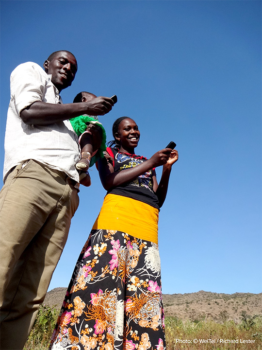 Phone applications and medical check-ins by text are solutions that some developing countries have already adapted. Photo: WelTel/Richard Lester