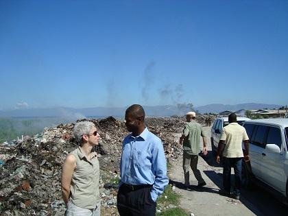 Isabelle Bérard en visite à Haïti alors qu'elle était directrice générale du Secteur d'Haïti et de la République dominicaine.